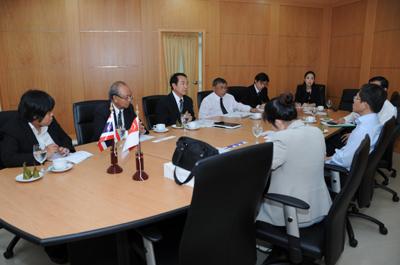 Welcome the representatives from NTU, Singapore